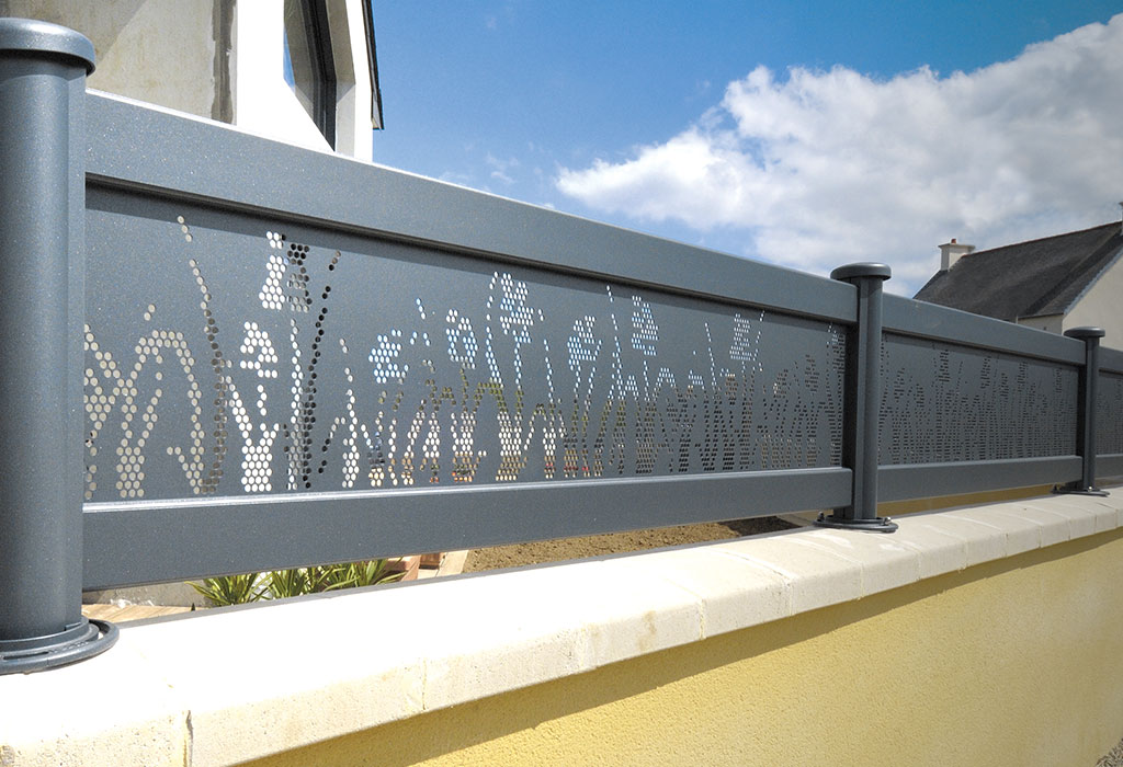 clôture perforée aluminium